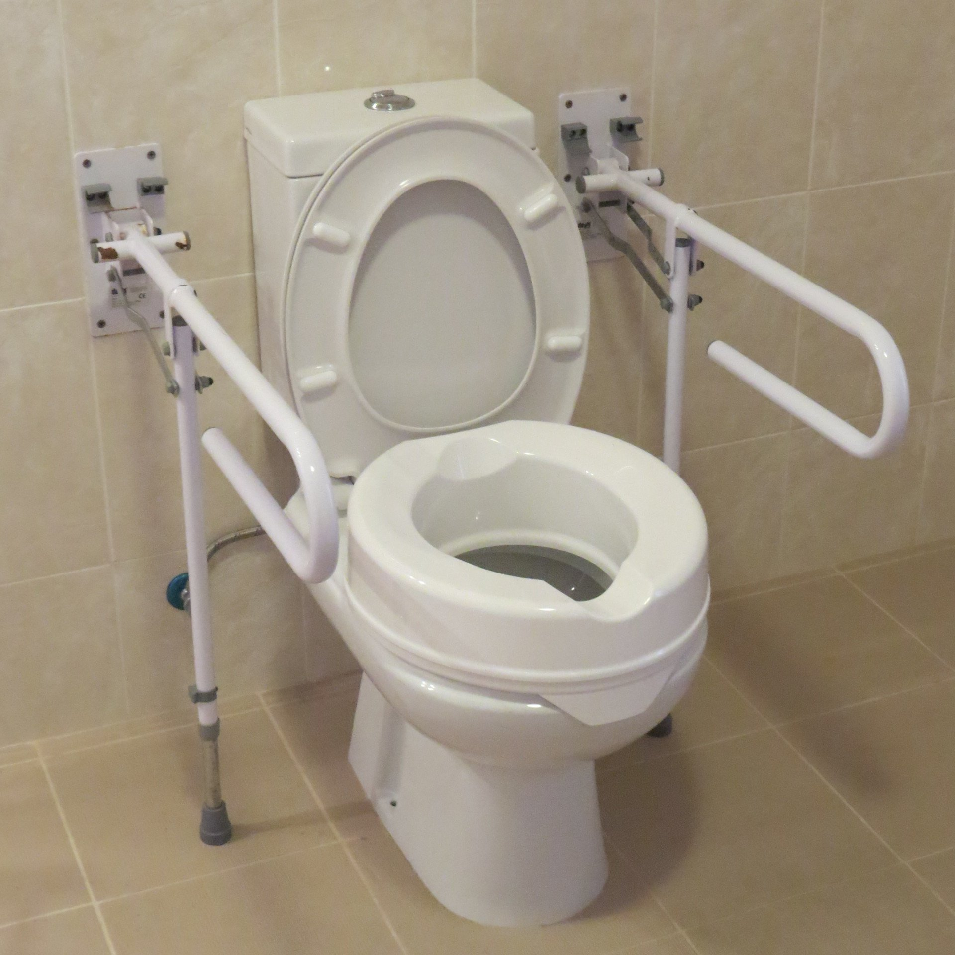 toilet riser-drop down supports-disabled holidays-The Algarve-Portugal